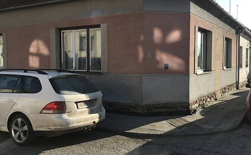 Prodej domu s pozemkem 145m², Revoluční, Jaroměřice nad Rokytnou, okres Třebíč
