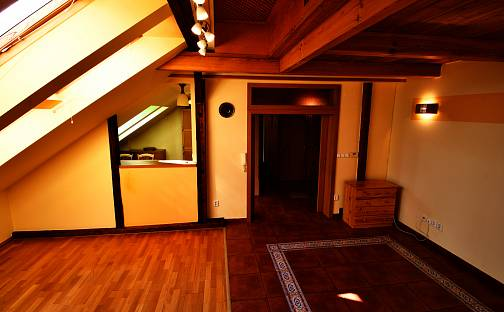 Prodej bytu 5+1, 130 m², Vocelova, Kutná Hora - Kutná Hora-Vnitřní Město