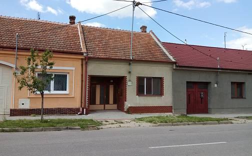 Prodej domu 70 m² s pozemkem 427 m², Břeclavská, Hrušky, okres Břeclav