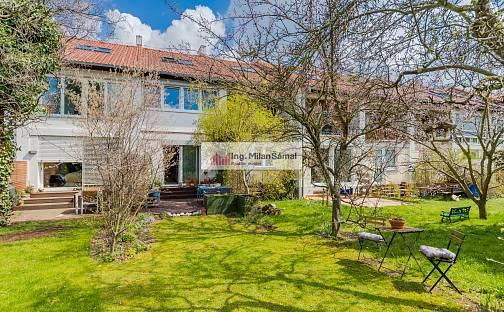 Prodej domu 109m² s pozemkem 203m², Dvouletky, Praha 10 - Strašnice