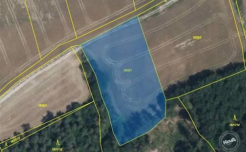 Dražba pole, 9222 m², Unhošť, okres Kladno