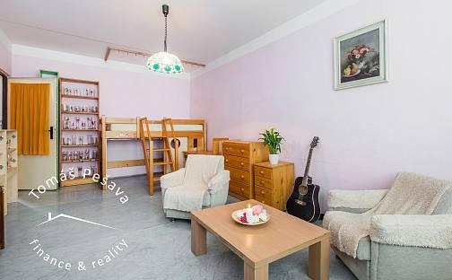 Prodej bytu 3+1, 74 m², Formánkova, Hradec Králové - Moravské Předměstí