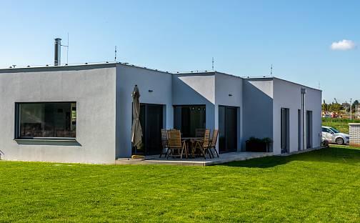 Prodej domu s pozemkem 868 m², U Rybníčka, Vysoký Újezd, okres Beroun