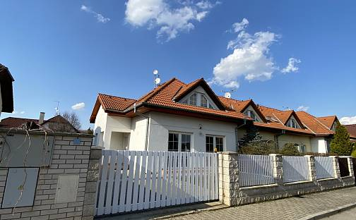 Prodej domu 149m² s pozemkem 387m², Povětrná, Hovorčovice, okres Praha-východ