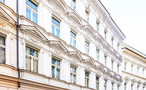 Prodej bytu 2+kk 49m², Černá, Praha 1 - Nové Město
