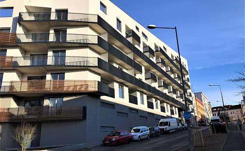 Pronájem bytu 1+kk 28m², Papírnická, Plzeň - Východní Předměstí