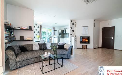 Prodej domu 232m² s pozemkem 579m², Žábova, Praha 4 - Šeberov