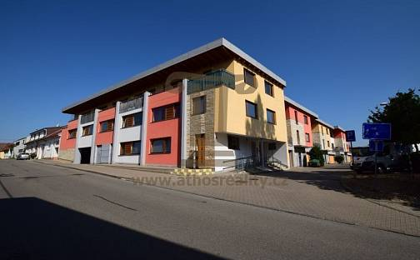 Pronájem - garáž, Brno, Na kovárně, Brno - Soběšice