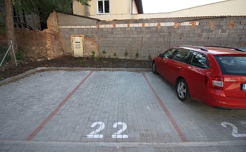 Pronájem Vyhrazené parkovací stání v centru, Pallova, Plzeň - Východní Předměstí