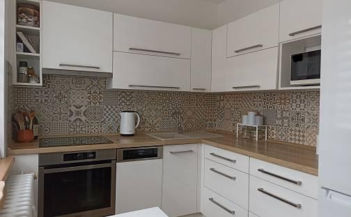 Prodej bytu 4+kk 74m², Čajkovského, Třebíč - Nové Dvory