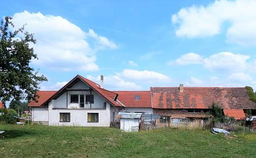 Prodej domu s pozemkem 3270 m², Svojetice, okres Praha-východ