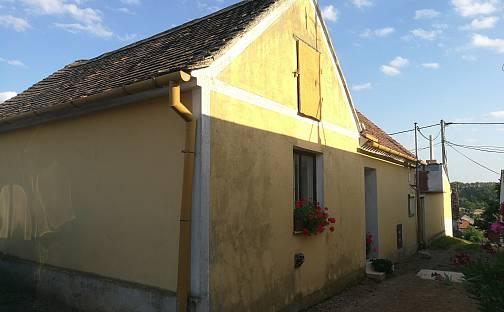 Prodej domu 85m² s pozemkem 174m², Žerotice, okres Znojmo