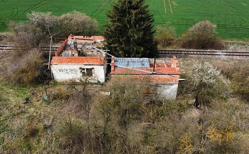 Prodej domu 370m² s pozemkem 3241m², Tachlovice, okres Praha-západ