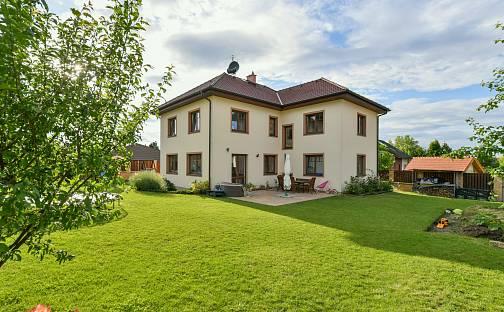 Prodej domu 350 m² s pozemkem 905 m², Jižní, Líbeznice, okres Praha-východ