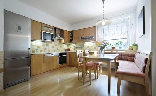 Prodej bytu 3+1 100m², Českobrodská, Praha 9 - Běchovice
