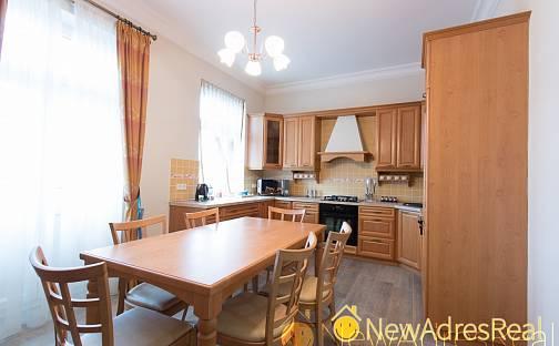 Prodej bytu 3+1, 130 m², Chelčického, Karlovy Vary