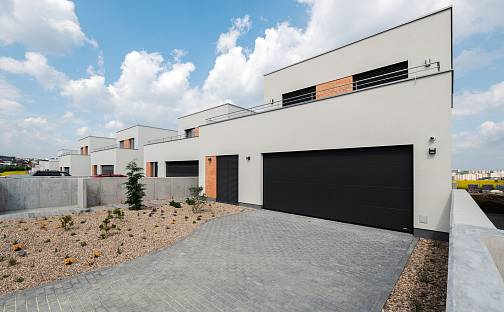 Prodej domu 216 m² s pozemkem 666 m², Švédské kříže, Moravany, okres Brno-venkov