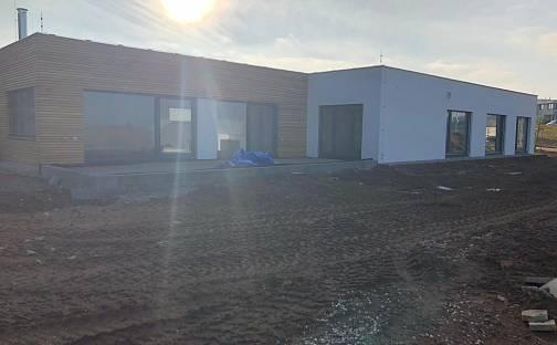 Prodej domu s pozemkem 1080 m², U Rybníčka, Vysoký Újezd, okres Beroun