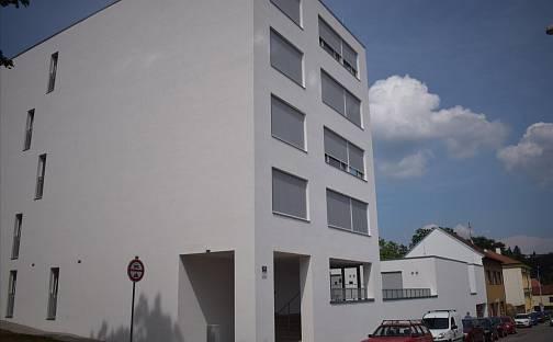 Pronájem garážového stání Brno Královo Pole, Metodějova, Brno - Královo Pole