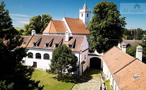 Prodej domu 863 m² s pozemkem 1855 m², Stálky, okres Znojmo
