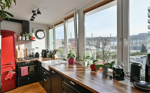 Prodej bytu 3+kk 56m², K Olympiku, Praha 8 - Karlín