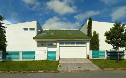 Prodej domu 453 m² s pozemkem 782 m², Janáčkova, Šestajovice, okres Praha-východ