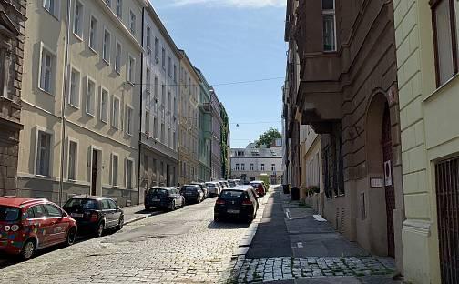 Prodej bytu 2+kk 66m², Sevastopolská, Praha 10 - Vršovice