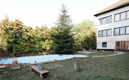 Prodej domu 500 m² s pozemkem 2819 m², Suchohrdly, okres Znojmo