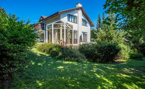 Prodej vily 400 m² s pozemkem 1091 m², Kamenice - Ládví, okres Praha-východ