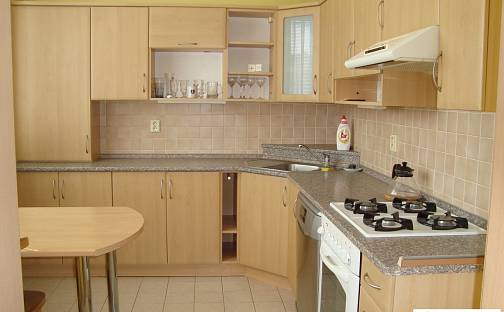 Prodej bytu 3+1, 76 m², Masarykovo nám., Hustopeče, okres Břeclav