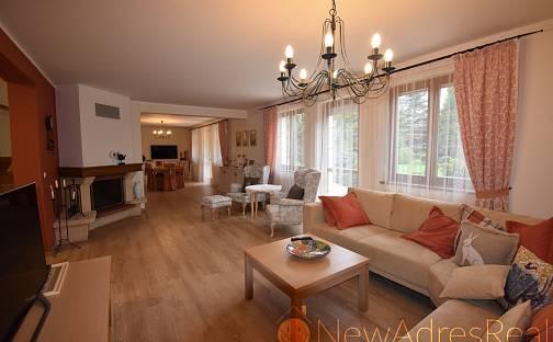 Prodej vily 220 m² s pozemkem 939 m²