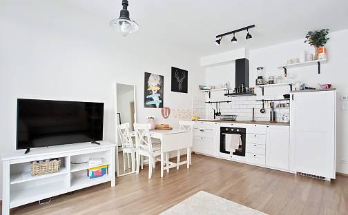 Prodej bytu 1+kk 34m², Toufarova, Praha 5 - Stodůlky