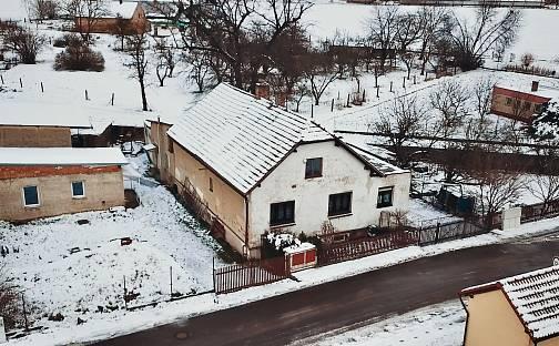 Prodej domu 725m² s pozemkem 952m², Babín, Dašice, okres Pardubice