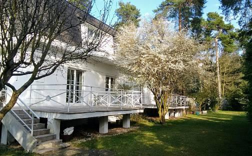 Prodej vily 593 m² s pozemkem 1917 m², Slavětínská, Praha 9 - Klánovice