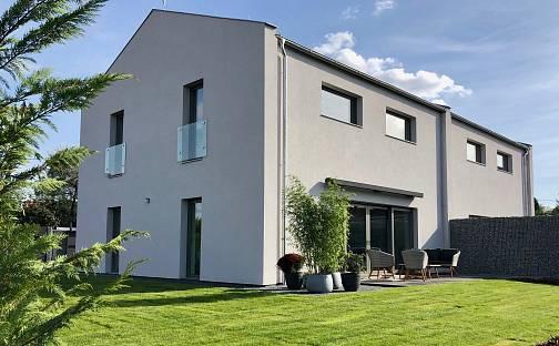 Prodej domu 161 m² s pozemkem 814 m², Dobřejovice, okres Praha-východ