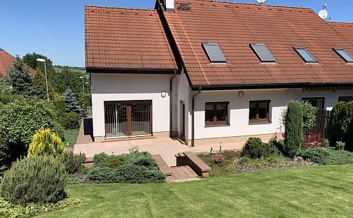 Prodej domu 250 m² s pozemkem 479 m², Jeřabinová, Plzeň - Černice
