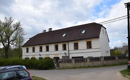 Prodej domu s pozemkem 4963m², Snědovice - Mošnice, okres Litoměřice