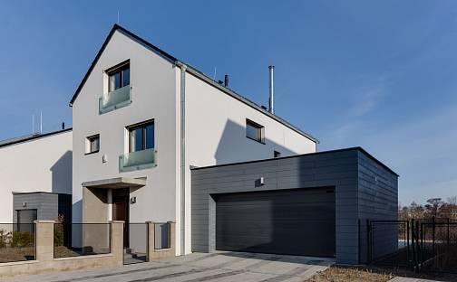 Prodej vily 366 m² s pozemkem 1765 m², Postlova, Praha