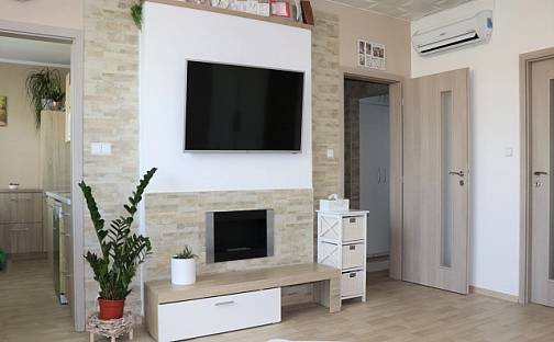 Prodej bytu 3+1, 80 m², Bedřicha Buchlovana, Uherské Hradiště - Mařatice