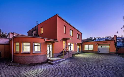 Pronájem domu 220 m² s pozemkem 699 m², V olšinách, Praha 10 - Strašnice