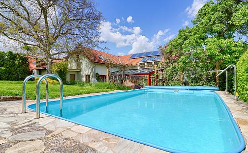 Prodej domu 240m² s pozemkem 1132m², Ke Skalce, Tuklaty - Tlustovousy, okres Kolín