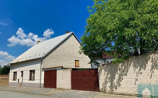 Prodej domu s pozemkem 750 m², Chropyně, okres Kroměříž