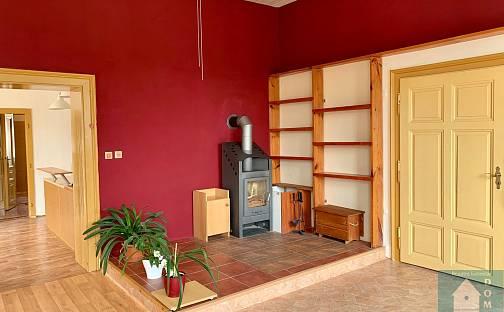 Prodej bytu 3+1, 112 m², Komenského, Chropyně, okres Kroměříž