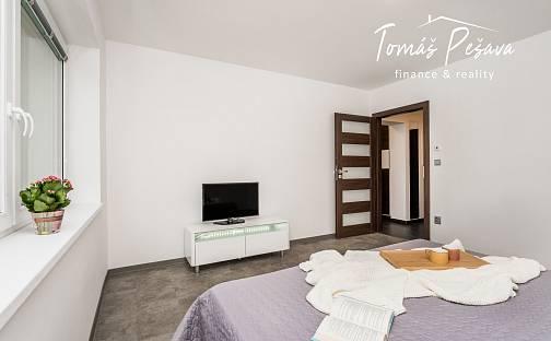Prodej bytu 4+kk 87m², Librantice, okres Hradec Králové