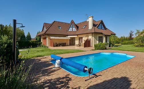 Prodej domu 240m², Sulice - Hlubočinka, okres Praha-východ