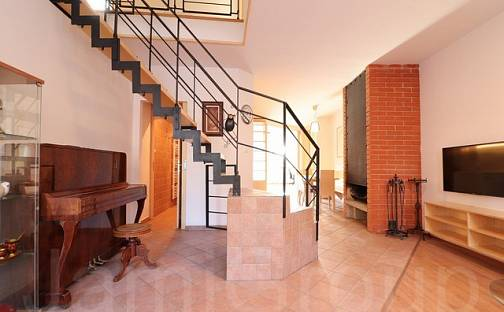 Pronájem domu 175 m² s pozemkem 280 m², Hádecká, Brno