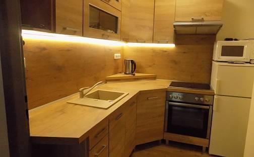 Pronájem bytu 2+kk, 42 m², V průčelí, Praha 4 - Chodov
