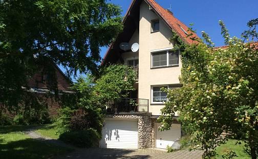 Prodej domu 320 m² s pozemkem 806 m², Lovčická, Praha 9 - Klánovice