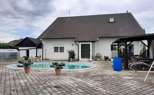 Prodej domu 250m² s pozemkem 2357m², Bělkovice-Lašťany, okres Olomouc