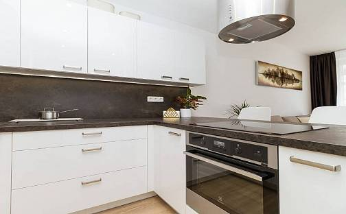 Prodej bytu 2+kk, 58 m², Honzíkova, Praha 15 - Dolní Měcholupy